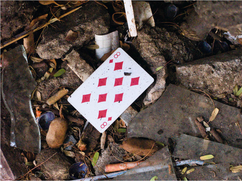 Eight-of-Diamonds---Discarded---Tim-Etchells---Photo-Work-2010---Image-Courtesy-of-the-Artist-72dpi