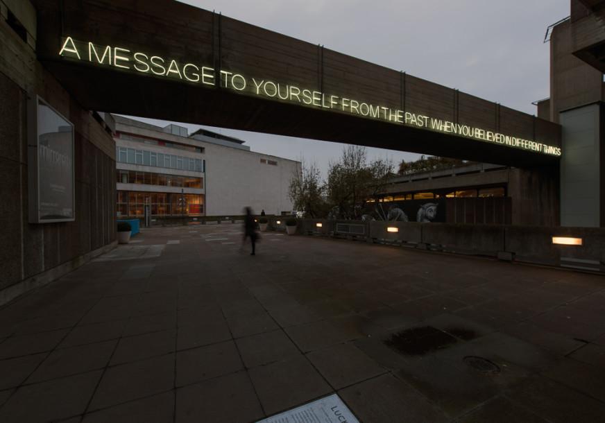 A-Message---Tim-Etchells---Neon-2014---Image-Credit-Hugo-Glendinning-72dpi-001