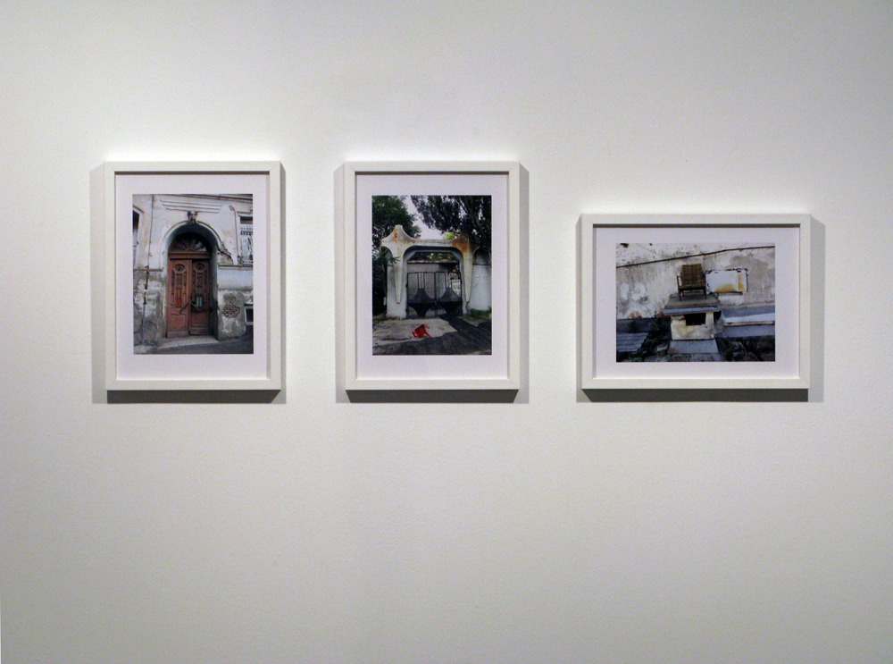 From-Afar---Tim-Etchells---Installation-View---Videos-Photos-Drawings---2011---Images-Courtesy-of-the-Artist-72dpi-002