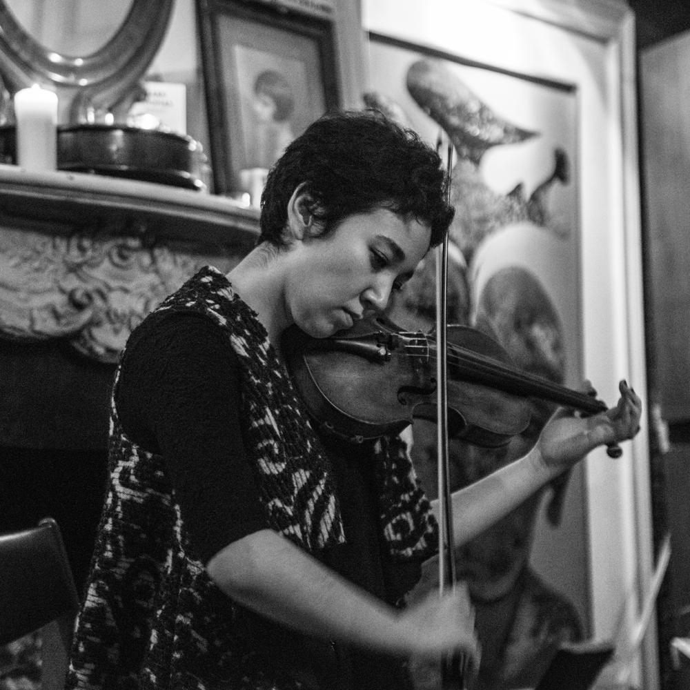Seeping-Through-EP-Launch---Tim-Etchells-and-Aisha-Orazbayeva---Performance-2015---Image-Credit-Hugo-Glendinning-72dpi-003