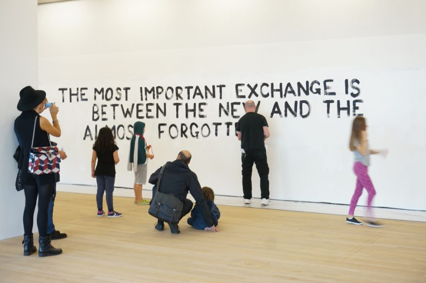 the-give-take-further-provocations-tim-etchells-performance-2016-image-courtesy-of-the-artist-72pdi-003